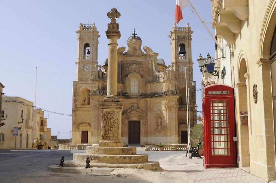 Gharb der Architekt Giuseppe Azzopardi baute die schoenste Kirche der Insel Kirche Madonna tal Virtut